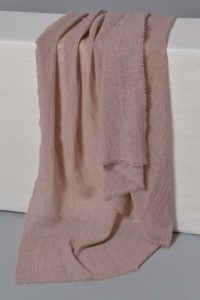 Oyuna's Esra Cashmere Throw in Rose